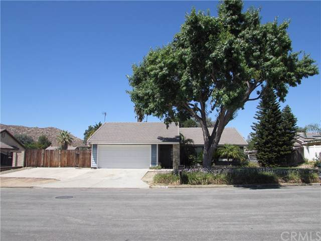 28224 Bay Avenue, Moreno Valley, CA 92555 (#IG19197048) :: California Realty Experts