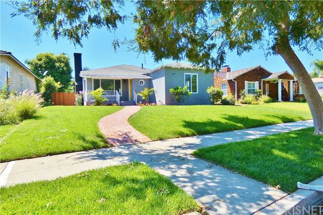 3833 Olive Avenue, Long Beach, CA 90807 (#SR19197140) :: Heller The Home Seller