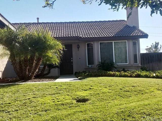 22125 Country Hills Drive, Wildomar, CA 92595 (#PW19197165) :: Allison James Estates and Homes