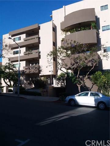1110 Hacienda Place #202, West Hollywood, CA 90069 (#PI19196298) :: The Danae Aballi Team