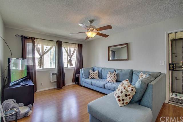 21828 Belshire Avenue #6, Hawaiian Gardens, CA 90716 (#WS19197167) :: The Parsons Team