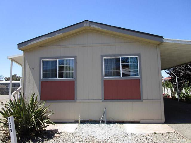 20 Russell Road #137, Salinas, CA 93906 (#ML81764937) :: California Realty Experts