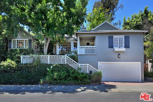 4017 Woodman, Sherman Oaks, CA 91423 (#19500946) :: Veléz & Associates