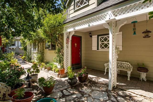 22427 Venido Road, Woodland Hills, CA 91364 (#SR19197282) :: California Realty Experts