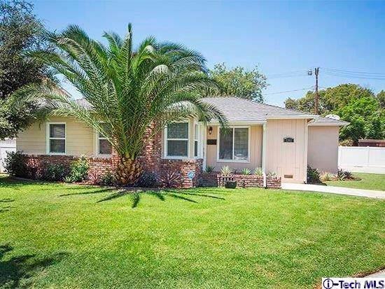 1301 W Riverside Drive, Burbank, CA 91506 (#319003349) :: The Danae Aballi Team