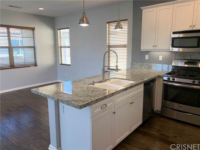 21705 Bene Drive, Saugus, CA 91350 (#SR19197509) :: The Costantino Group | Cal American Homes and Realty