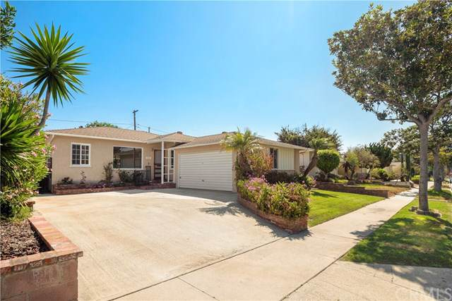 5520 W 138th Place, Hawthorne, CA 90250 (#SB19195290) :: The Costantino Group | Cal American Homes and Realty