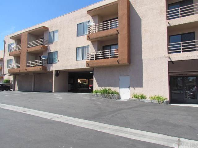 6815 Remmet Avenue #301, Canoga Park, CA 91303 (#IV19197553) :: A|G Amaya Group Real Estate