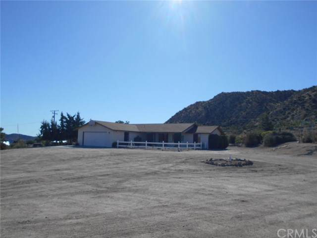 5641 Bronco Road, Pioneertown, CA 92268 (#JT19198242) :: Allison James Estates and Homes
