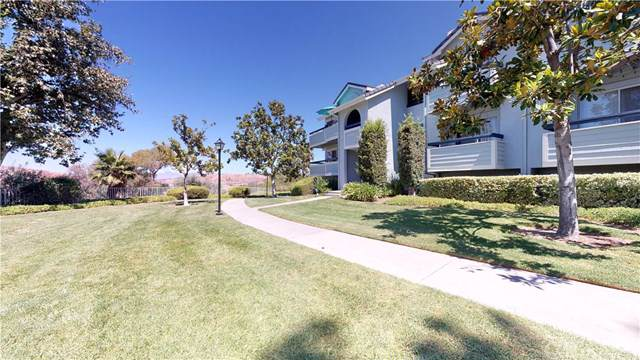 26742 Claudette Street #452, Canyon Country, CA 91351 (#SR19198195) :: Team Tami