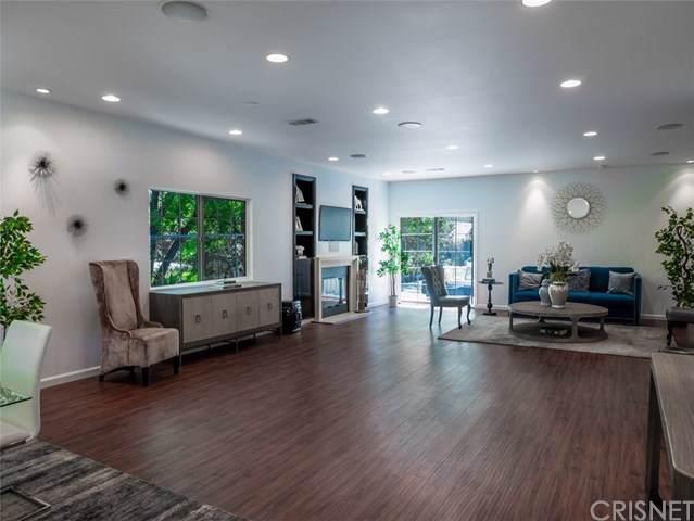 4846 Bruges Avenue, Woodland Hills, CA 91364 (#SR19198206) :: Faye Bashar & Associates
