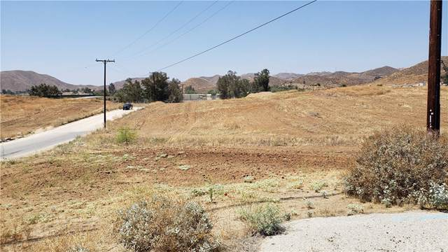 1011 Industrial Way, King City, CA 93930 (#IV19198409) :: Steele Canyon Realty