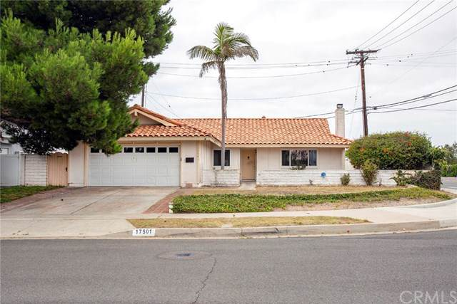 17501 Misty Lane, Huntington Beach, CA 92649 (#PW19197837) :: Z Team OC Real Estate