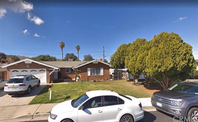 3270 Amhurst Drive, Riverside, CA 92503 (#PW19198579) :: The DeBonis Team