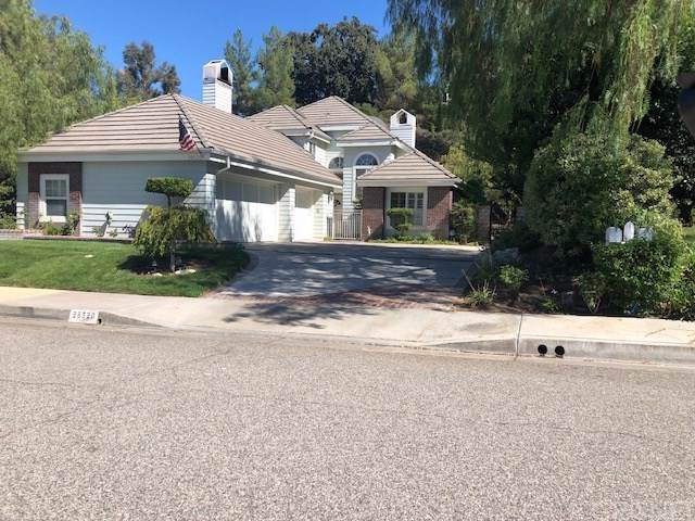 26520 Emerald Dove Drive, Valencia, CA 91355 (#SR19198645) :: Team Tami