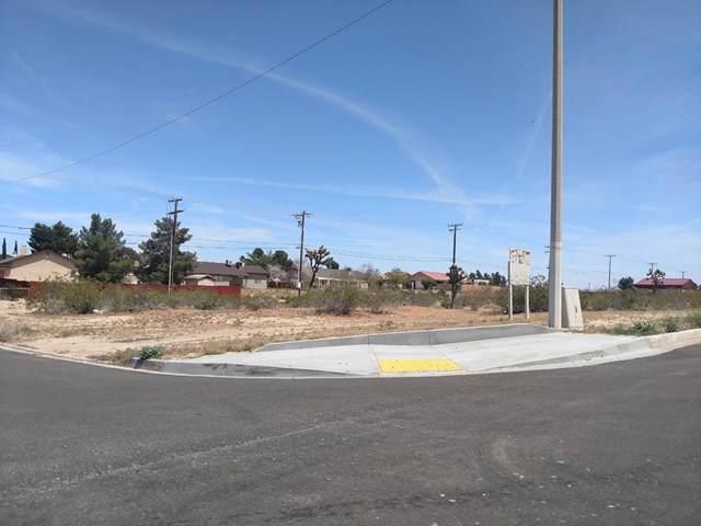 1 Village Drive, Victorville, CA 92395 (#516714) :: Keller Williams | Angelique Koster