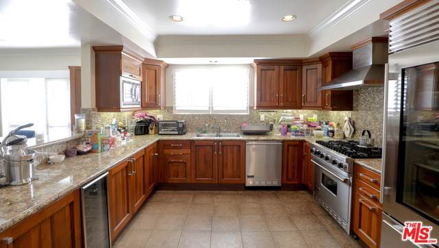 1878 Greenfield Avenue Ph2, Los Angeles (City), CA 90025 (#19501472) :: Allison James Estates and Homes