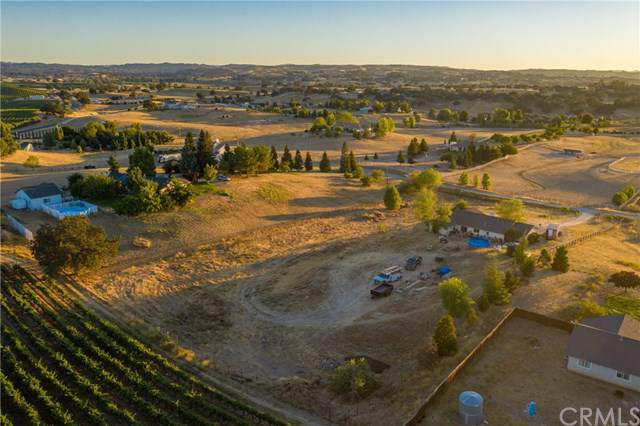 5625 Loma Linda Drive, Paso Robles, CA 93446 (#NS19198879) :: Fred Sed Group