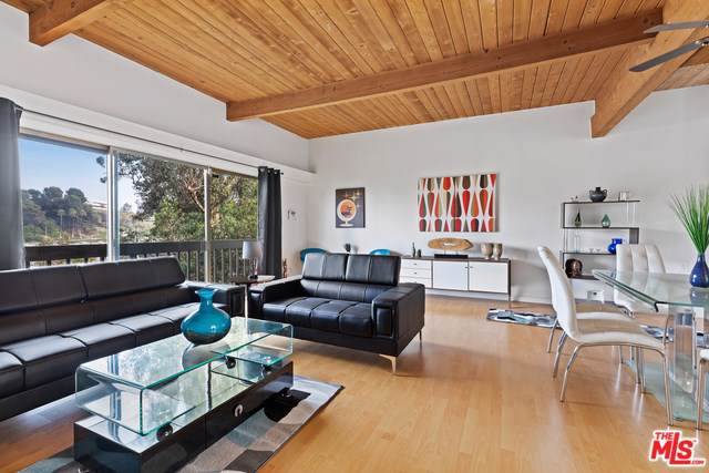 3456 Oak Glen Drive, Los Angeles (City), CA 90068 (#19501804) :: Rogers Realty Group/Berkshire Hathaway HomeServices California Properties