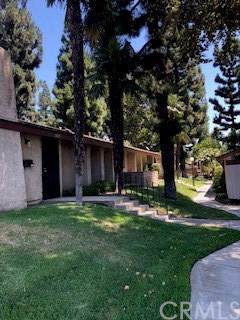 1451 W 7th Street Street, Upland, CA 91786 (#TR19199101) :: Cal American Realty