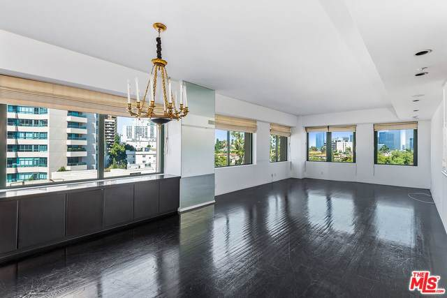 10520 Wilshire #703, Los Angeles (City), CA 90024 (#19501584) :: Allison James Estates and Homes