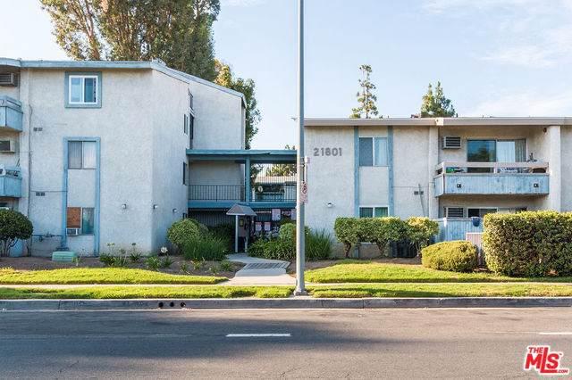 21801 Roscoe #109, Canoga Park, CA 91304 (#19493472) :: The Miller Group