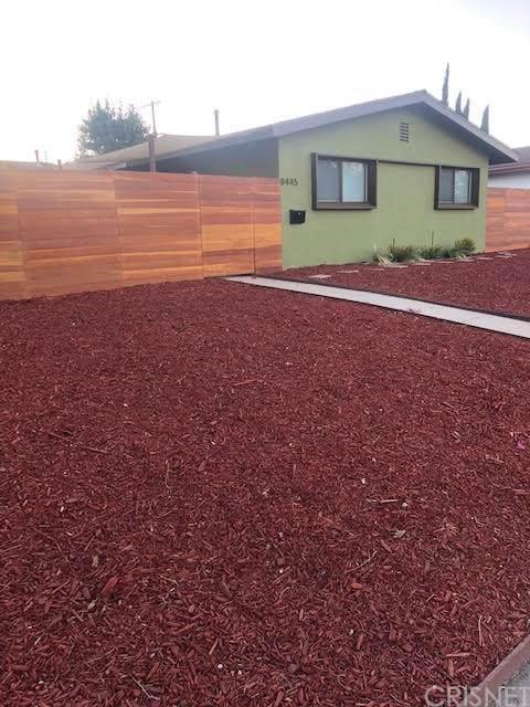 8445 Topanga Canyon Boulevard, West Hills, CA 91304 (#SR19197798) :: Veléz & Associates