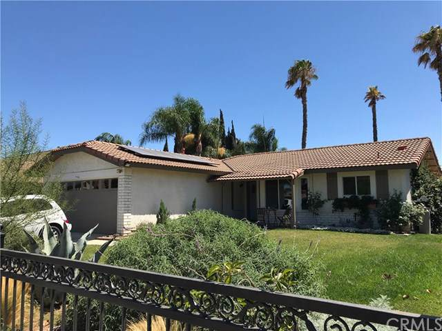 23329 Old Valley Drive, Moreno Valley, CA 92553 (#CV19199725) :: Allison James Estates and Homes