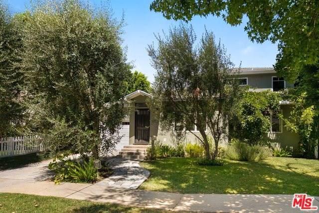 17401 Emelita Street, Encino, CA 91316 (#19501194) :: Veléz & Associates