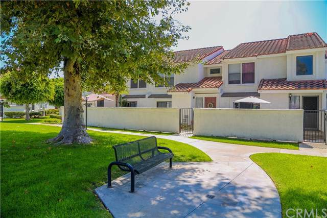 9765 Alburtis Avenue #135, Santa Fe Springs, CA 90670 (#DW19199997) :: Harmon Homes, Inc.
