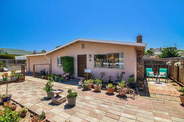 1568 Broadway Avenue, Outside Area (Inside Ca), CA 93955 (#ML81765419) :: Berkshire Hathaway Home Services California Properties