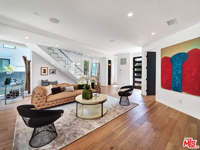 2200 Patricia Avenue, Los Angeles (City), CA 90064 (#19500484) :: Allison James Estates and Homes