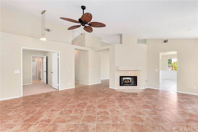 40447 Clybourne Circle, Murrieta, CA 92562 (#SW19200392) :: Allison James Estates and Homes