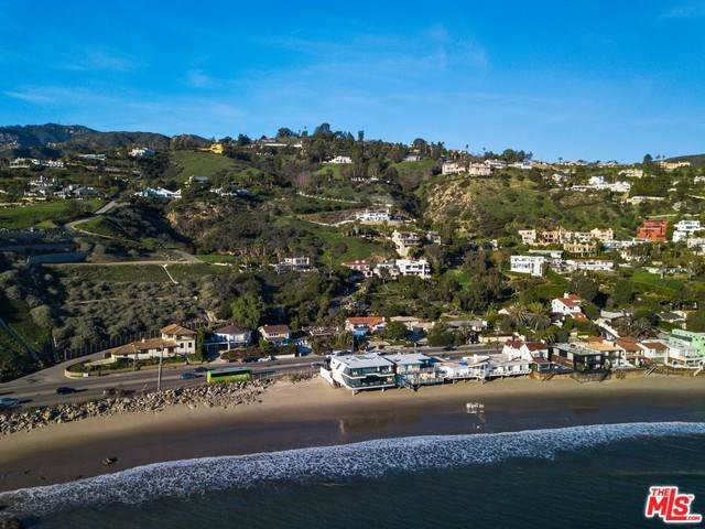 21701 Pacific Coast Highway, Malibu, CA 90265 (#19502312) :: Allison James Estates and Homes