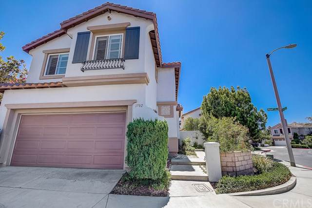 1702 Hayes Court, Placentia, CA 92870 (#OC19198600) :: The Darryl and JJ Jones Team