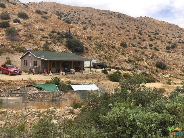 49276 Burns Canyon Road, Pioneertown, CA 92268 (#19502696PS) :: Go Gabby