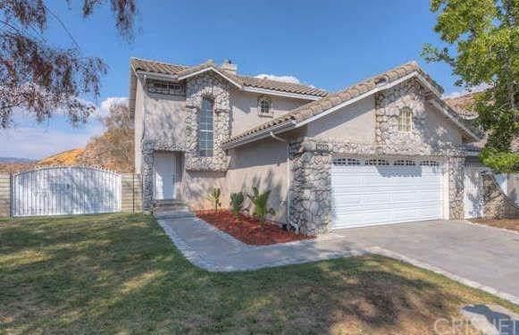 14519 Stone Ridge Court, Canyon Country, CA 91387 (#SR19201646) :: The Brad Korb Real Estate Group