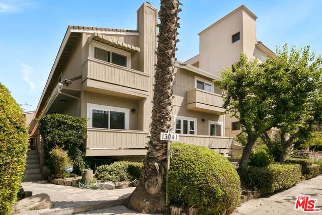 13041 Moorpark Street #2, Studio City, CA 91604 (#19502164) :: The Brad Korb Real Estate Group