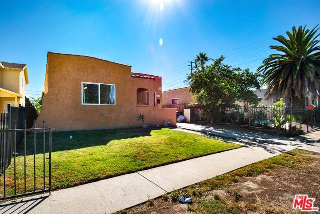 910 E 84TH Place, Los Angeles (City), CA 90001 (#19502916) :: The Laffins Real Estate Team