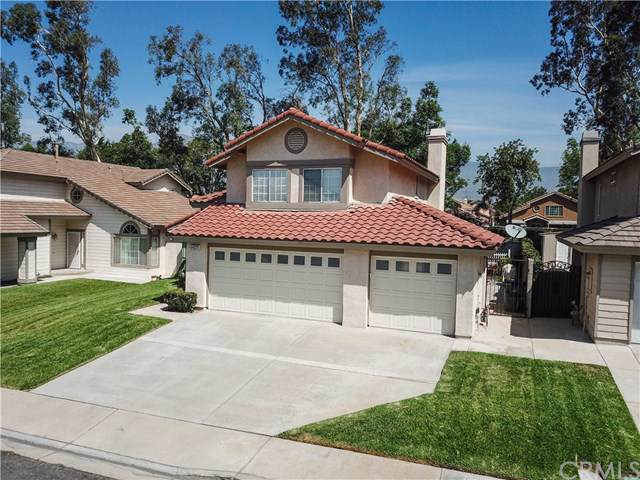 13744 Cherokee Court, Fontana, CA 92336 (#IV19201976) :: The Brad Korb Real Estate Group