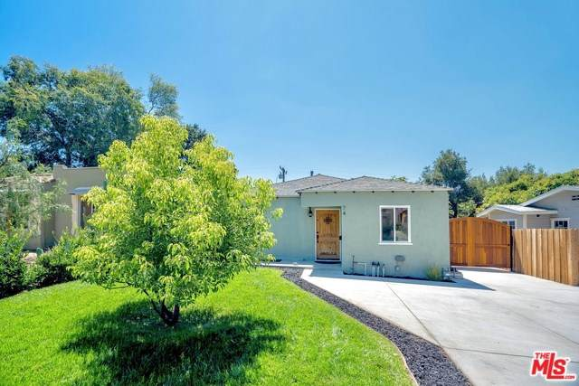 74 W Mariposa Street, Altadena, CA 91001 (#19503084) :: Rogers Realty Group/Berkshire Hathaway HomeServices California Properties