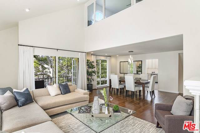 1051 12TH Street #1, Santa Monica, CA 90403 (#19502796) :: Team Tami