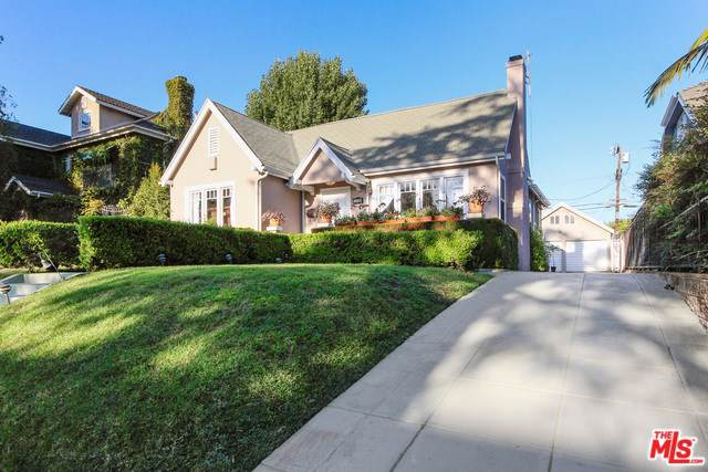 522 N Beachwood Drive, Los Angeles (City), CA 90004 (#19502658) :: Rogers Realty Group/Berkshire Hathaway HomeServices California Properties