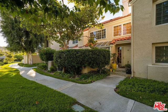 4240 Lost Hills Road #603, Calabasas, CA 91301 (#19503228) :: The Laffins Real Estate Team