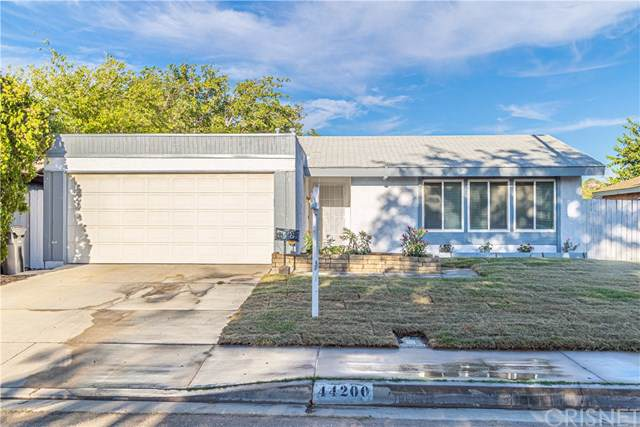 44200 Kirkland Avenue, Lancaster, CA 93535 (#SR19202332) :: Allison James Estates and Homes