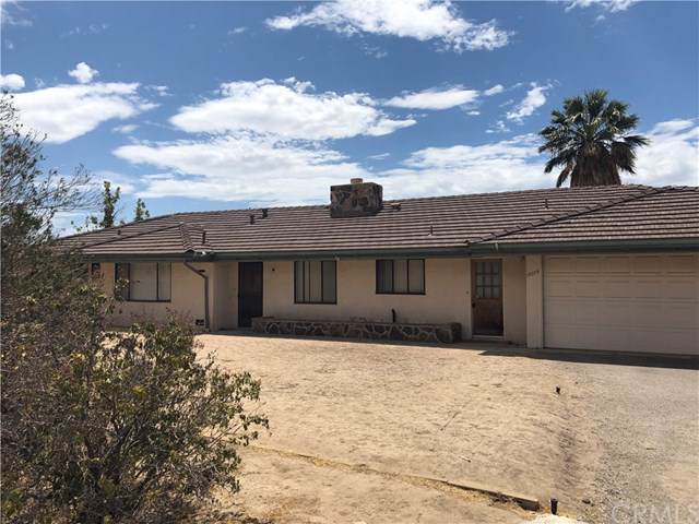 19275 Symeron Road, Apple Valley, CA 92307 (#OC19201698) :: Allison James Estates and Homes