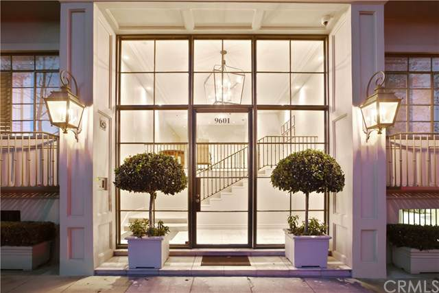 9601 Charleville Boulevard #2, Beverly Hills, CA 90212 (#PV19202797) :: California Realty Experts