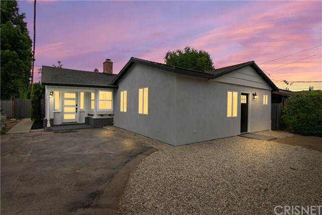 15926 Haynes Street, Lake Balboa, CA 91406 (#SR19202713) :: Rogers Realty Group/Berkshire Hathaway HomeServices California Properties