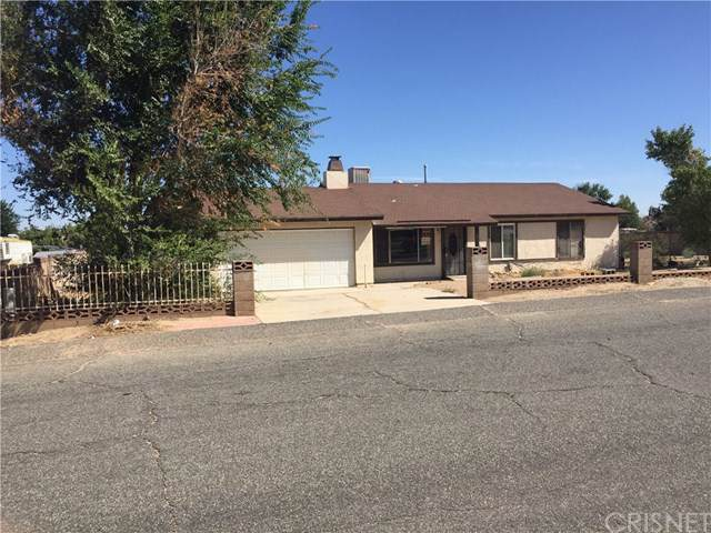 17235 Parkvalley Avenue, Palmdale, CA 93591 (#SR19203014) :: Rogers Realty Group/Berkshire Hathaway HomeServices California Properties
