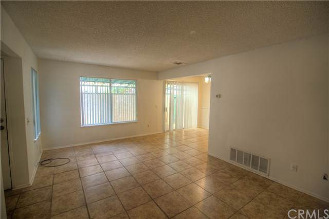823 E Lugonia Avenue, Redlands, CA 92374 (#DW19203162) :: The Laffins Real Estate Team